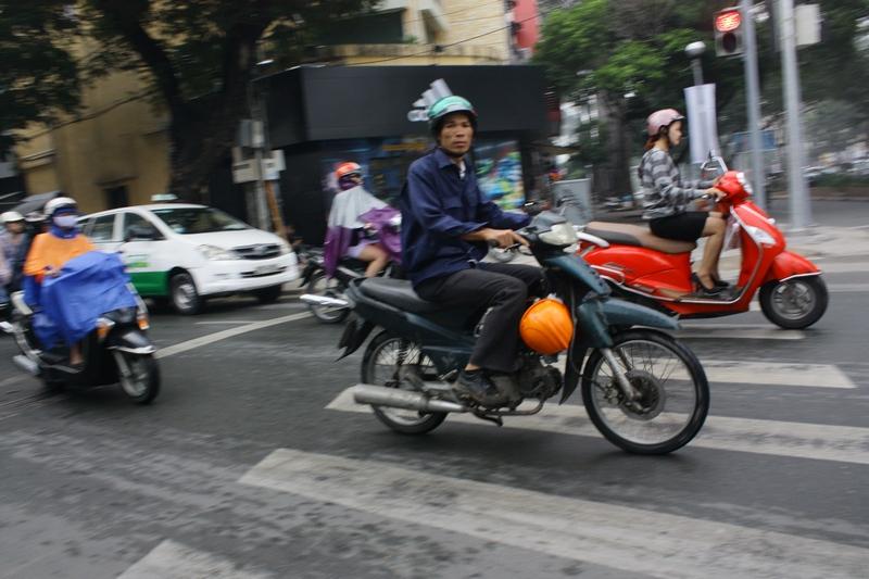 поток мотоциклов в хошимине