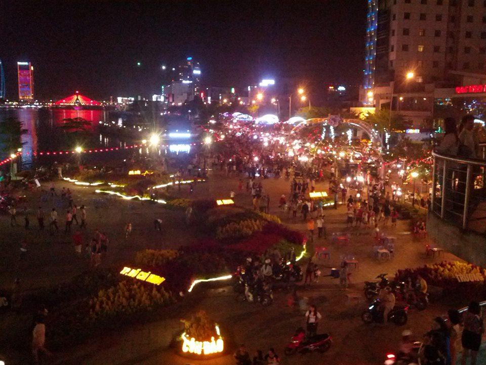 фото вечернего дананга, Вьетнам