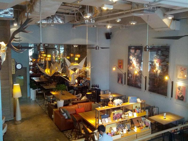 фотография кафе в Нячанге, Вьетнам