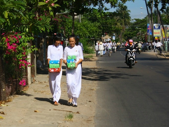 девушки во Вьетнаме | Shake-Reality.com