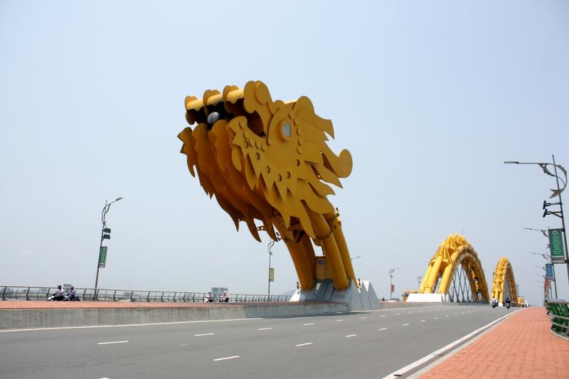 Дананг, фотография моста дракона